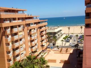 BIG TERRACE-ATTIC APARTMENT WITH GREAT SEAVIEWS & BEACHVIEWS. ENJOY CITY & BEACH