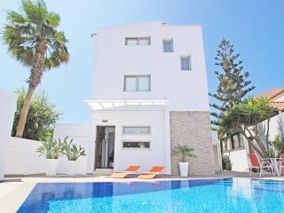 PRMEB01 3 Bedroom Villa, Protaras