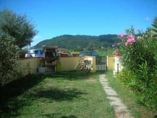 Tipica casetta vicina al mare, Ameglia