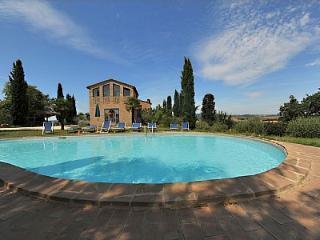 3 bedroom Villa in Buonconvento, Tuscany, Italy : ref 5229055