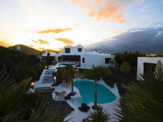 Casa con piscina comunitaria y terraza, Tahiche