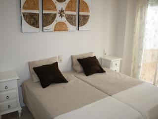 Apartamento de 2 dormitorios en Sevilla, Seville