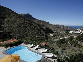 Holiday cottage with pool in Agaete (GC0362)