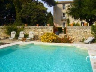 South of France gites on vineyard with pool, Montagnac
