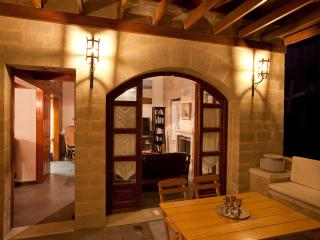 medieval city villa  with hotel service &sea view, La ciudad de Rodas
