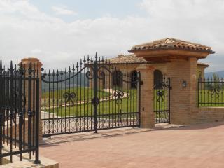 Villa Liliana, Monte Rinaldo