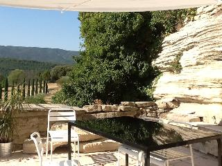 The panoramic view on Luberon from the terrasse