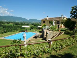 CalaSabina Tarano Enchanting villa with large pool close to Rome with 5 bedrooms