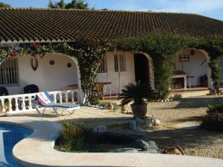 Villa de los Sueños with private pool, sleeps 6, L'Alfas del Pi