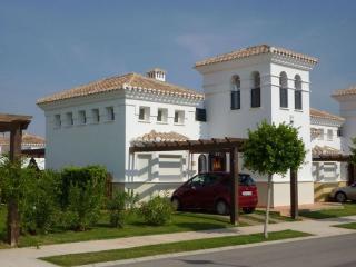 Villa con piscina privada, Roldán