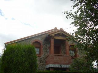 El Magnolio - Casita de piedra en   Santillana del mar