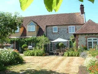 Crockfords Cottage - ideal for all Goodwood events, Chichester