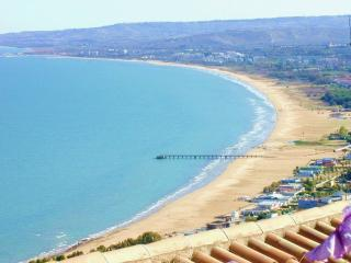 Vasto  beach 5 mins by car/bus or 25 mins walk