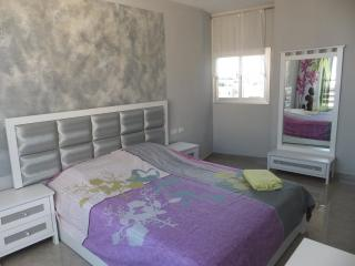 Luxury 2 bedrooms, 400m Kikar, Netanya