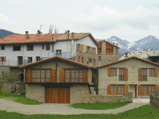 Casa rural Can Tubau (2/30 pax, Campelles