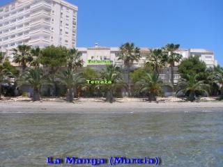 La vivienda vista desde el mar Menor (Playa de El Pedruchillo)