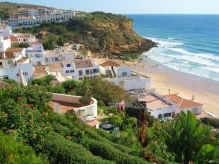 Luxury 2Bed/2 Bath Apartment, Beach 5min,WiFi A/C, Burgau