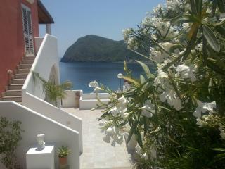 "Amazing apartments (""A""), Lipari"