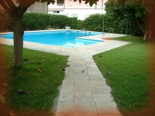 piso frente al mar con piscina, La Herradura