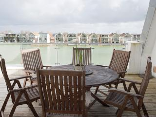 SKARV apartment 90 Howells Mere, Lower Mill Estate - Special Early Spring rates!, Cirencester