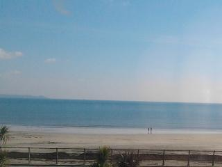 3 Sea View, Looe. Frontline property -  coast/beach view