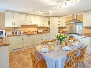 The dining kitchen is bright, cheery and most importantly - well equipped!