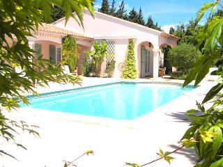 Maison Provençale de style Hacienda, Eyragues