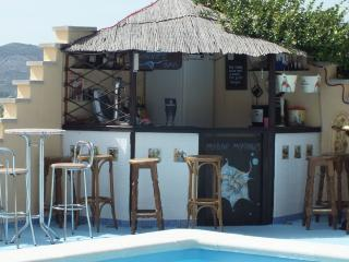 vinnies bar at the corner of the pool
