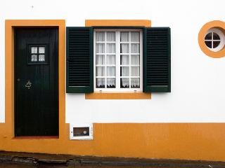 Living Azores – Casa do Porto Formoso -  Beach Retreat