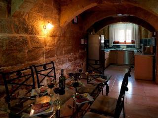 Palma Dining Room/Kitchen