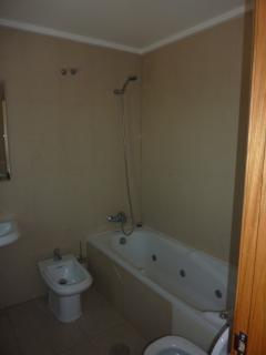 Bathroom with bath/shower (ensuite)