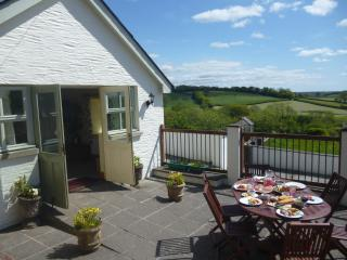 Red Kite Cottage,Capel Bach Fm, Carmarthen
