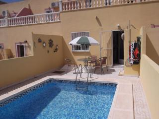 House with Private Pool, Villamartin