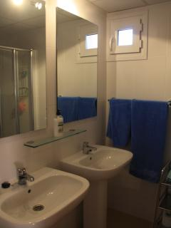 Main bathroom with His n Hers sinks