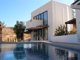 Casa Puerta Flamenca, piscina con vista al mar, Las Negras