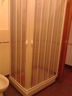 Ampio box doccia