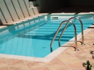 Pezenas villa private pool