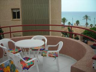 Terraza donde caben 6 sillas