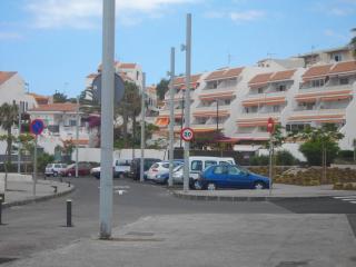 TENERIFE SUR, 2 dormitorios... con PISCINA, Costa del Silencio