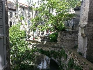 Charming 2 bedroom apartment with beautiful balcony in Avignon old town