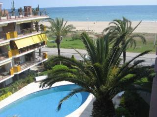 Apartamento 1a línea mar, piscina y 3 habitaciones, Castelldefels