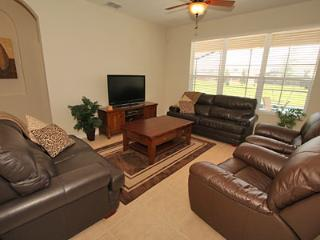 Lounge with large screen TV, cable TV and 0ver 100 movie on media player