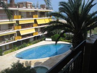 Apartamento 1a linea mar, piscina y 3 habitaciones