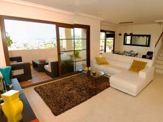 Jalena - Villa Gadea Penthouse