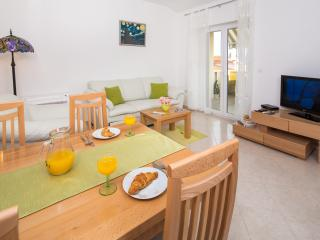 New cosy apartment near Split, Podstrana