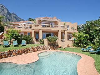 359 - VILLA CYCAD, Camps Bay