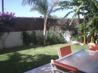 Moderno, amplio y cómodo partamento con jardín en Playa de Daimús (junto Gandia)