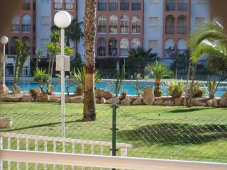Ground Floor Apartment in Torremar 6, overlooking the pool. Close to La Mata