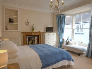 Large and luxurious Master Bedroom with King Bed