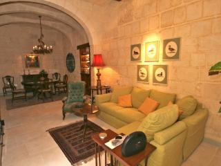 Luxury 17th Century Palazzo Apartment 3, La Valeta